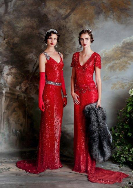 Длинные перчатки к свадебному красному платью