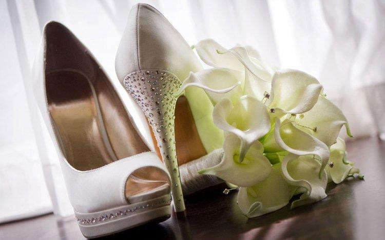 Стильные туфли невесты
