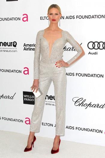 серебряный цвет одежды - выбор не для всех