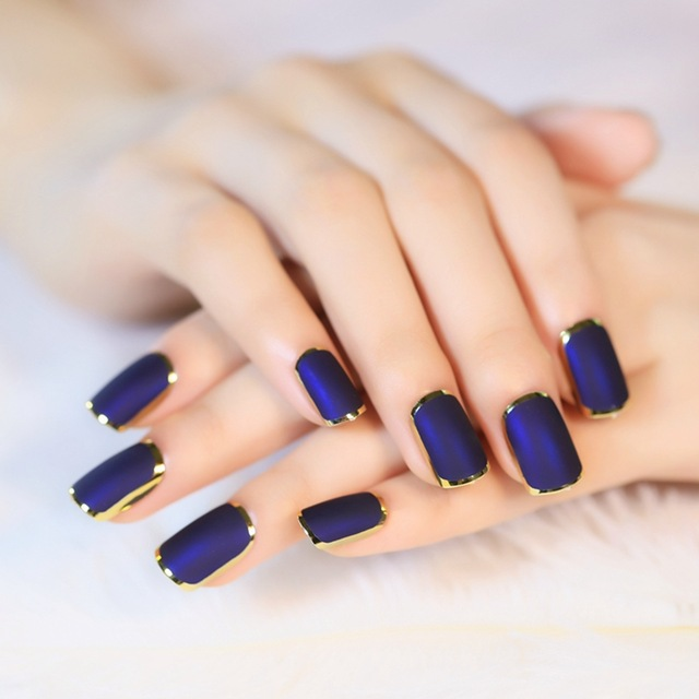 Дизайн ногтей с лентой на короткие и длинные ногти. Фото, идеи со стразами, скотчем. Мастер класс: как делать маникюр гель лаком