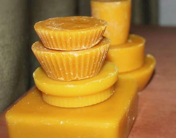 Пчелиный воск - лучшая база для самодельных косметических продуктов