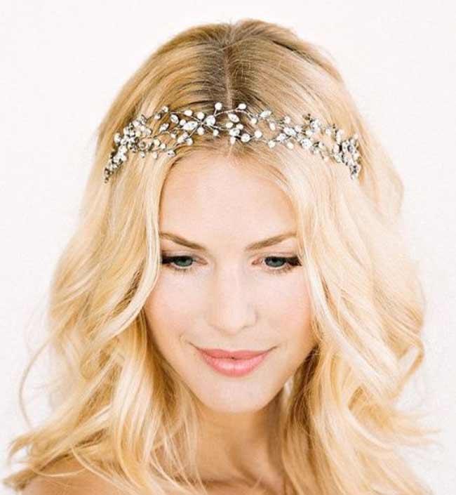 Украшение для блондинки
