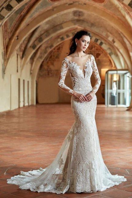 Платье рыбка  для свадьбы с рукавами