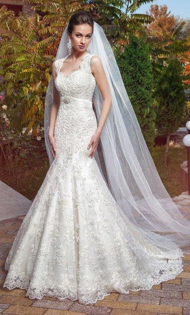 Свадебное платье рыбка с широкими бретельками