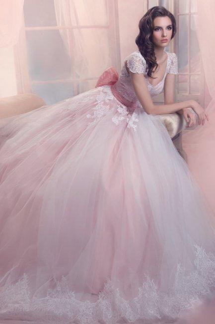 Пышное свадебное платье пастельно-розовых оттенков