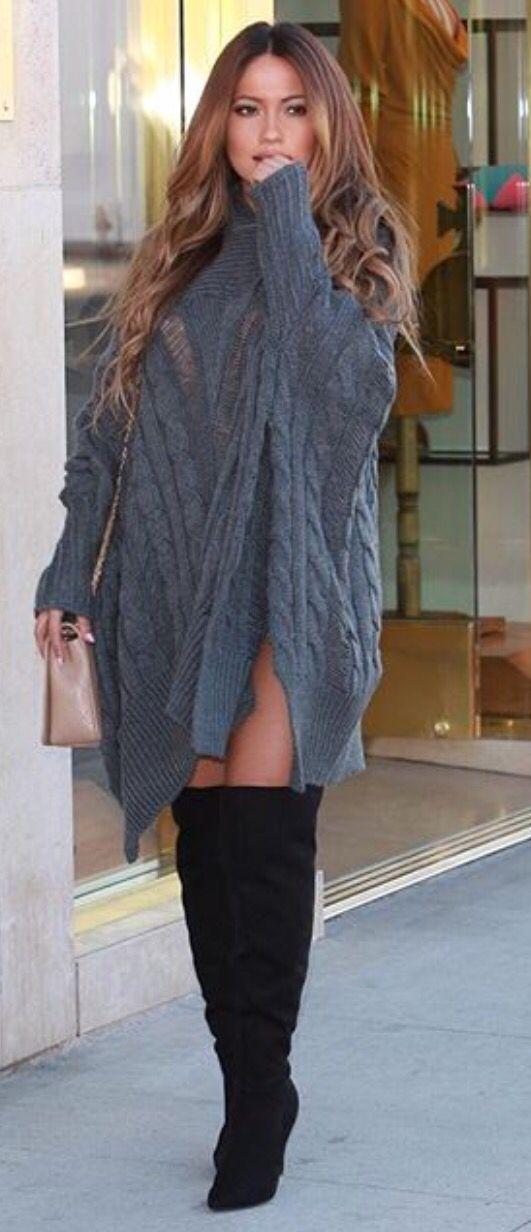 платье оверсайз с ботфортами