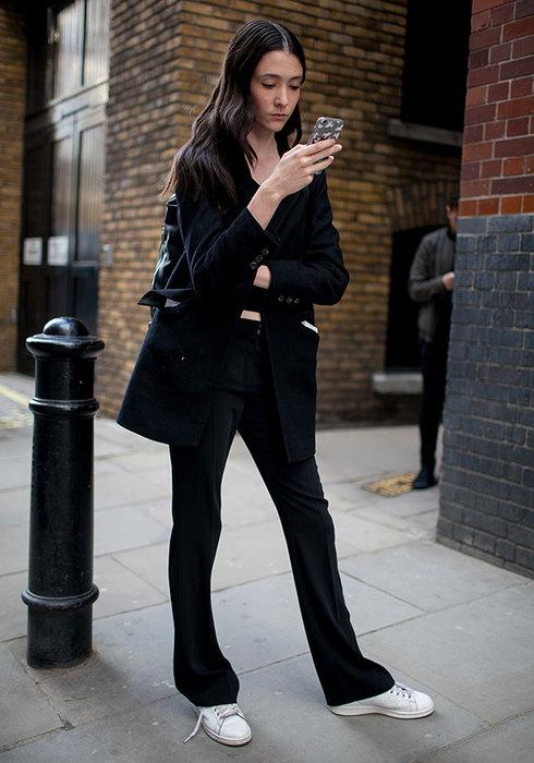с чем носить черные брюки 2016 фото