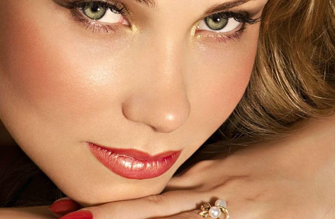 Насыщенный макияж для зелёных глаз