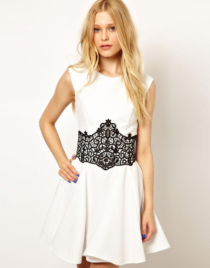 Украсить платье кружевом