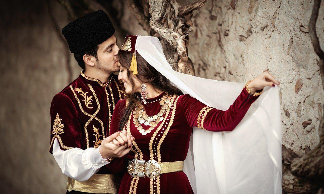 национальный костюм татар для мужчины и женщины