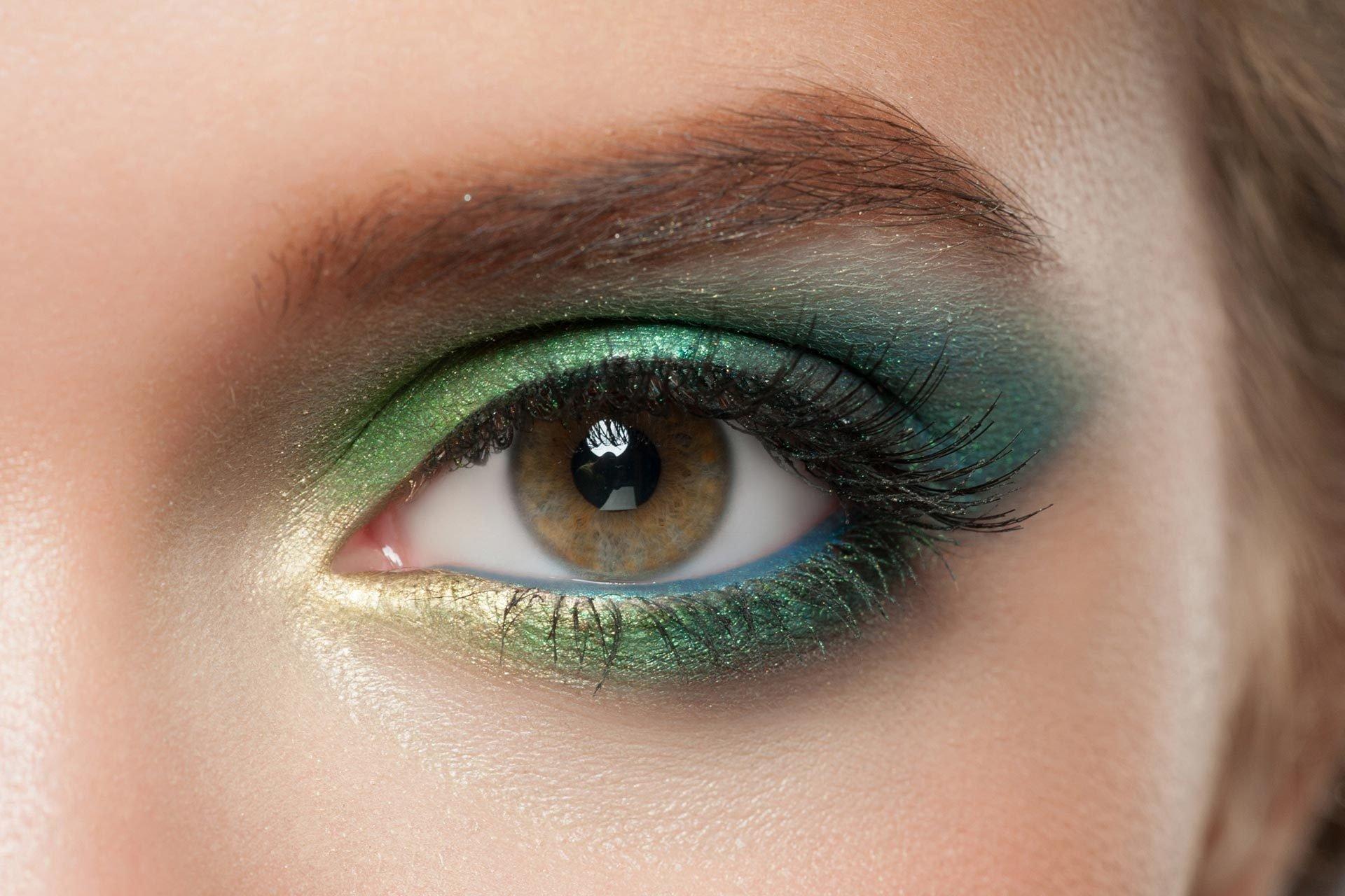 Ярко-зелёный макияж для зеленоглазых девушек
