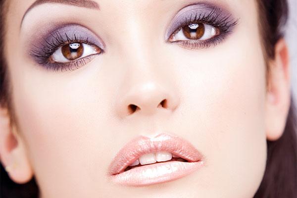 яркий макияж для брюнеток с карими глазами