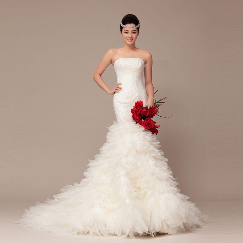 кружевное свадебное платье рыбка - аксессуар букет
