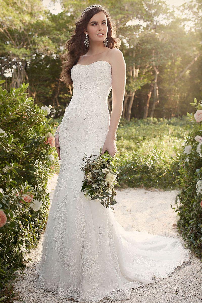 кружевное свадебное платье рыбка - причёска длинные волосы назад