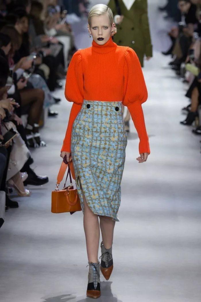 юбка голубая с бежевым под свитер оранжевый