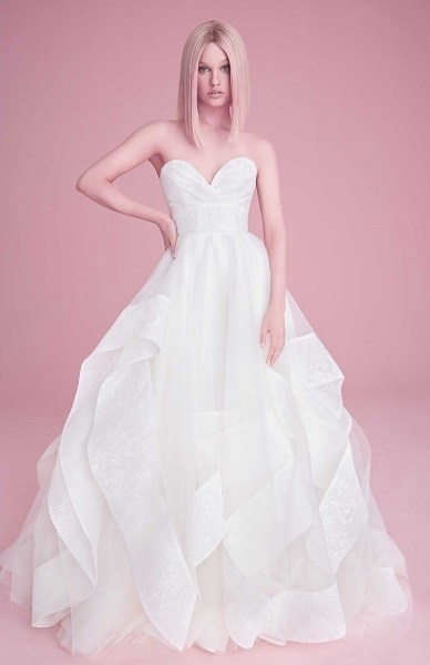 модное свадебное платье с пышной юбкой