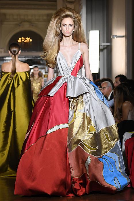 Все подробности показа Valentino Haute Couture 2018/2019 фото № 4