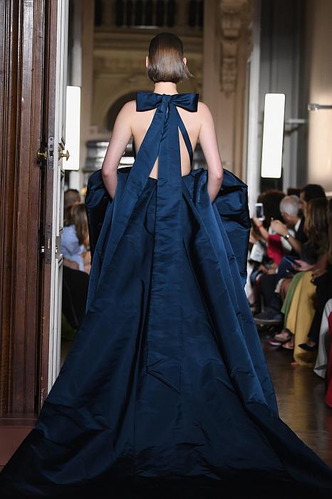 Все подробности показа Valentino Haute Couture 2018/2019 фото № 6