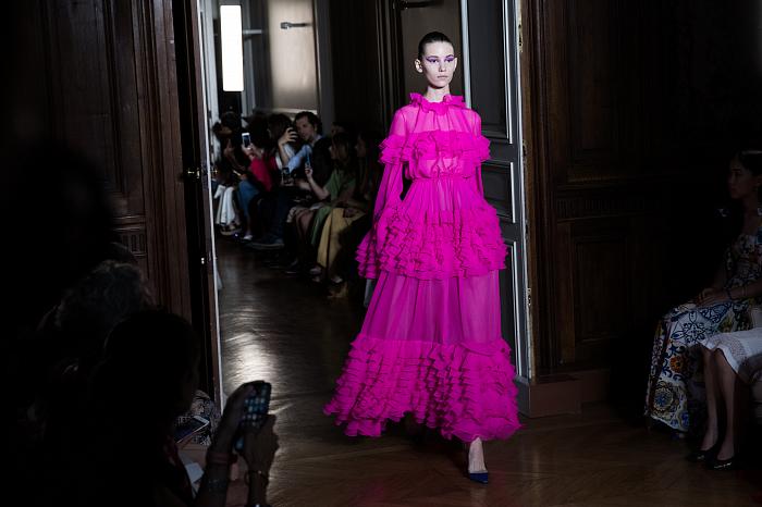 Все подробности показа Valentino Haute Couture 2018/2019 фото № 8