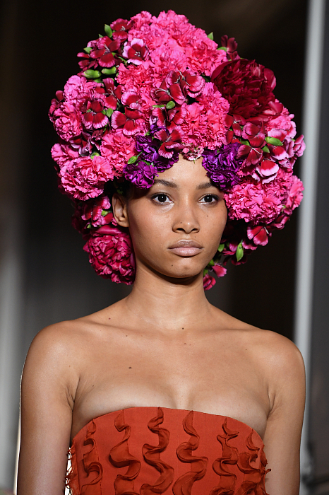Все подробности показа Valentino Haute Couture 2018/2019 фото № 5