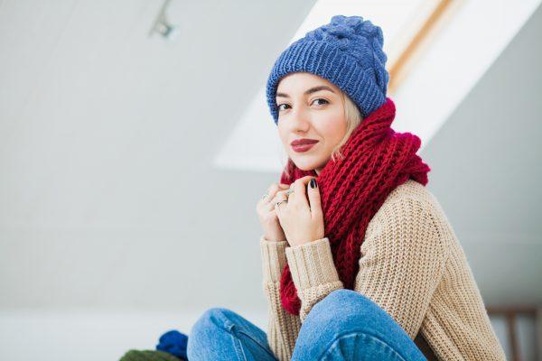 Как правильно носить шарф-снуд