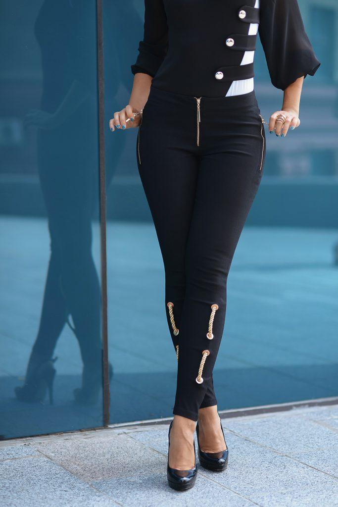 Черные брюки со шнуром