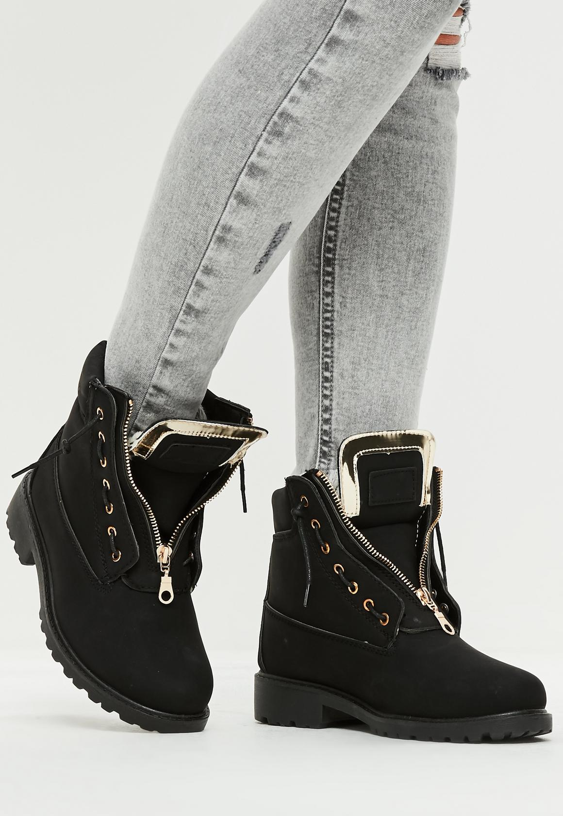 Ботинки с мехом из металлизированной кожи