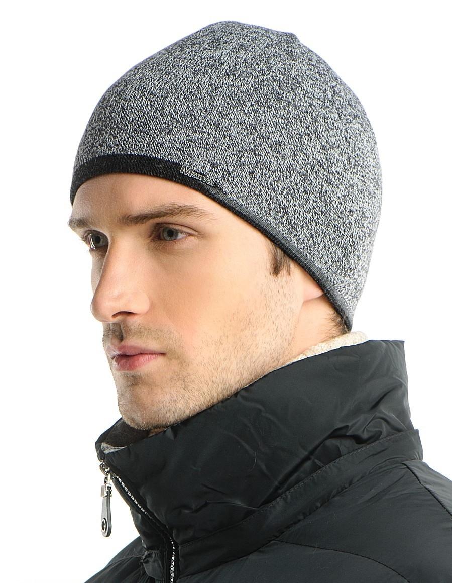 мужские головные уборы зима 2019-2020: серая трикотажная шапка