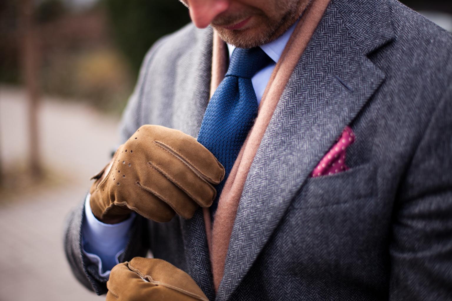 Замшевые мужские перчатки