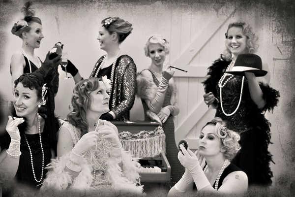 Аксессуары для женщин на вечеринке 30 годов