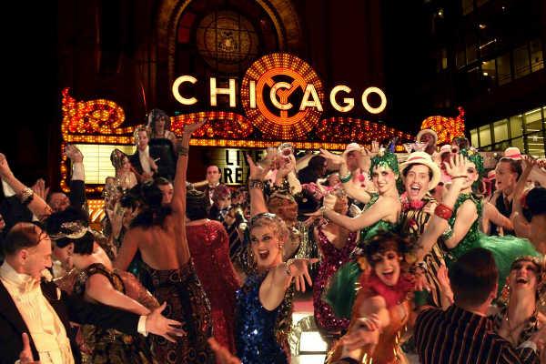 Вечеринка в стиле Чикаго 30-х годов
