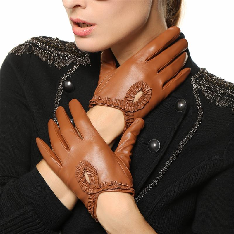 Кожаные перчатки с декором
