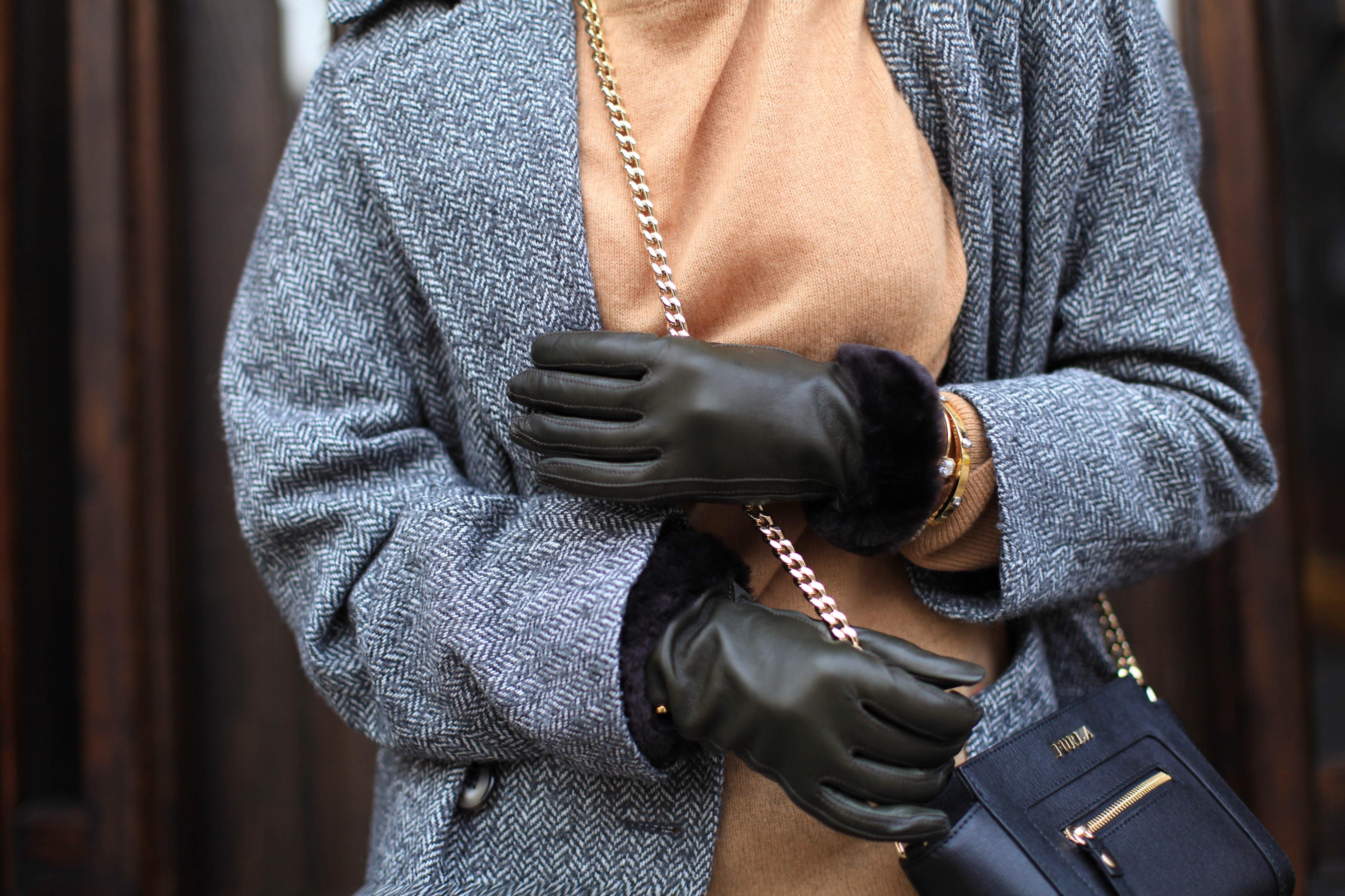 Кожаные перчатки с опушкой