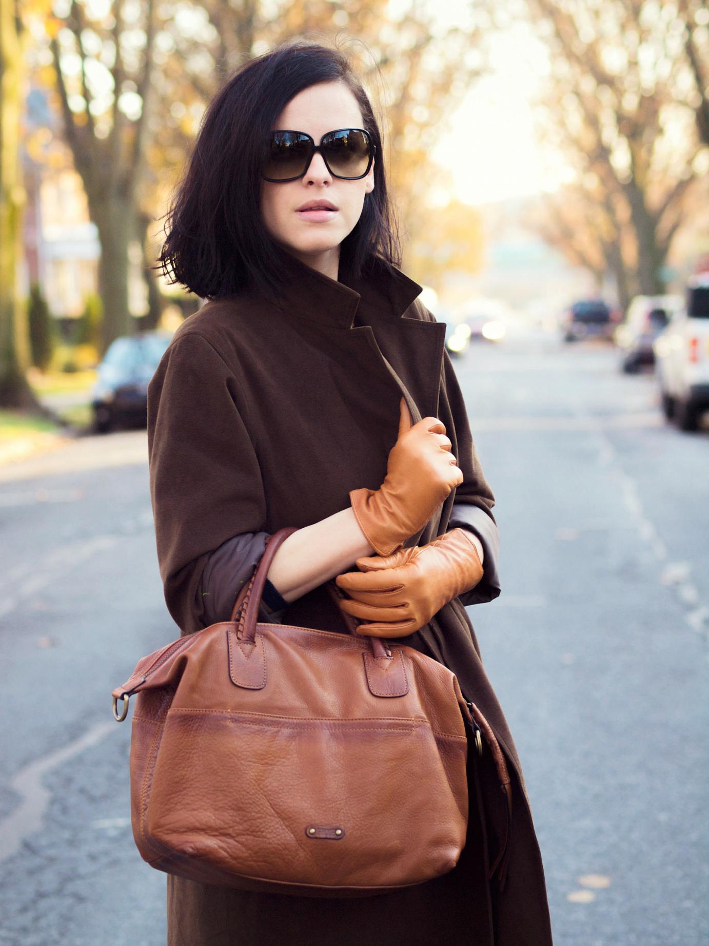 Кожаные перчатки с пальто