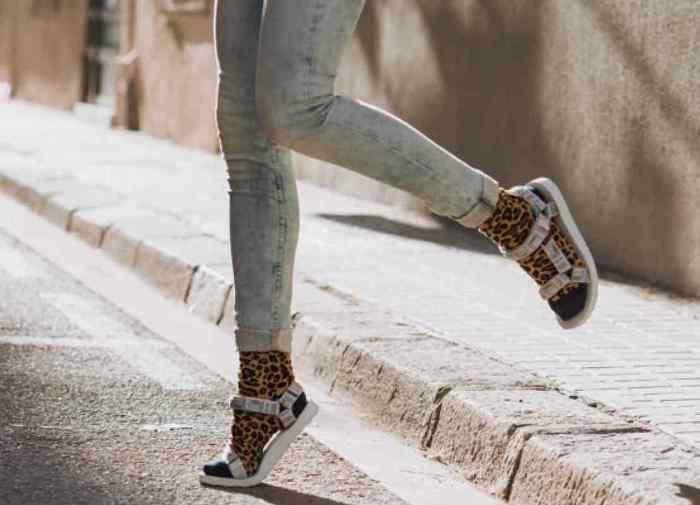 сандали с носками, фото