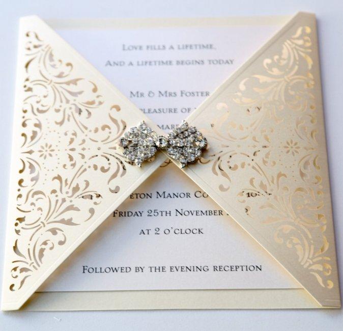 Приглашения для свадьбы в цвете айвори