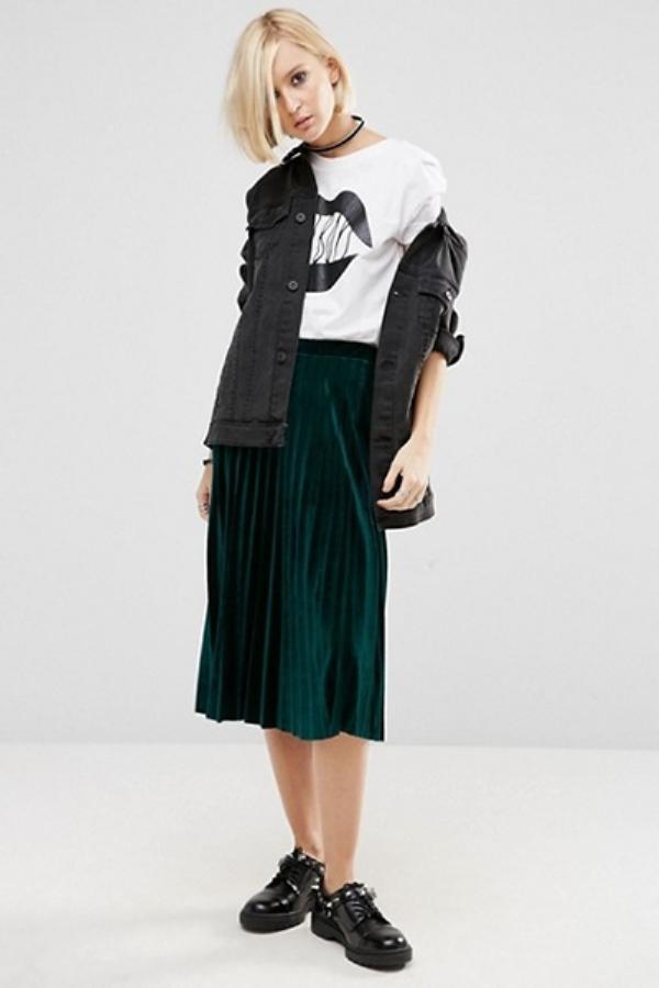 С чем носить бархатную юбку